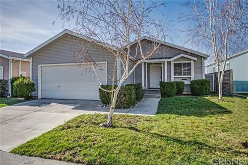 Photo of 20048 Northcliff Drive, Canyon Country, CA 91351 (MLS # SR20043285)