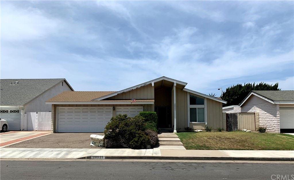 20951 Beachwood Lane, Huntington Beach, CA 92646 - MLS#: OC21157285