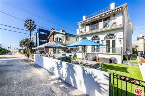 Photo of 17 Privateer Street, Marina del Rey, CA 90292 (MLS # 20659286)