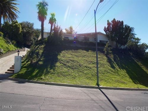 Photo of 5933 Mcdonie Avenue, Woodland Hills, CA 91367 (MLS # V1-4286)