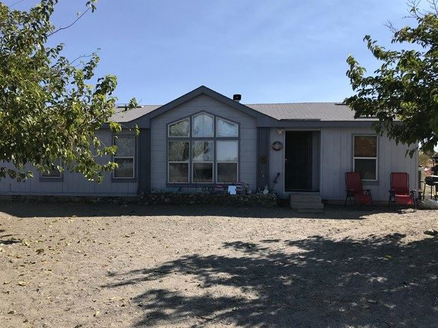 Photo of 11623 Golden View Road, Pinon Hills, CA 92372 (MLS # 529286)