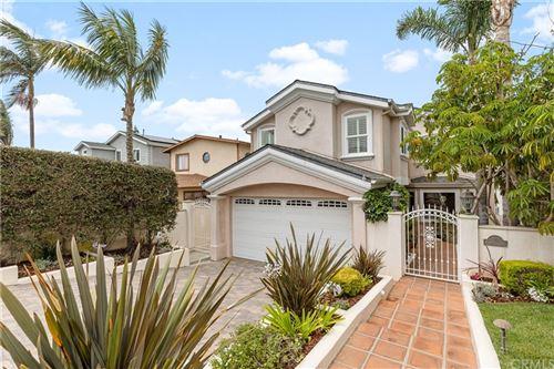 Photo of 519 S Juanita Avenue, Redondo Beach, CA 90277 (MLS # SB21138287)