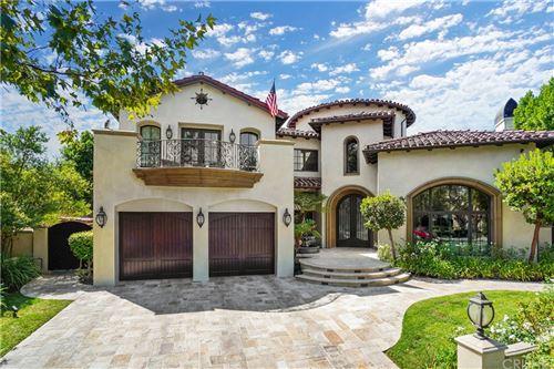 Photo of 25878 Shady Oak Lane, Valencia, CA 91381 (MLS # SR21026287)