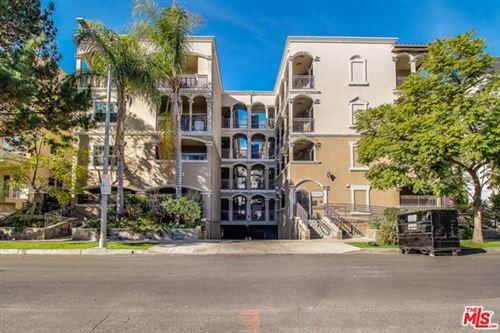 Photo of 423 Arnaz Drive #301, Los Angeles, CA 90048 (MLS # 20659288)