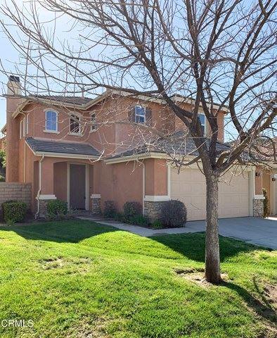 Photo of 28360 Maitland Lane, Santa Clarita, CA 91350 (MLS # P1-4288)