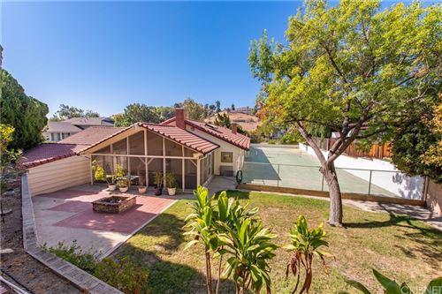 Photo of 11807 Jellico Avenue, Granada Hills, CA 91344 (MLS # SR21207288)