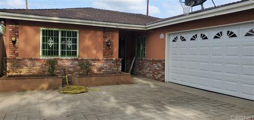 Photo of 8549 Dempsey Avenue, North Hills, CA 91343 (MLS # SR21134289)