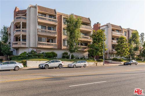 Photo of 17130 Burbank Boulevard #102, Encino, CA 91316 (MLS # 21761290)