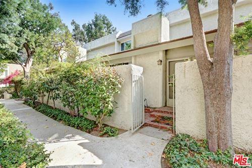 Photo of 11750 Moorpark Street #H, Studio City, CA 91604 (MLS # 20644292)