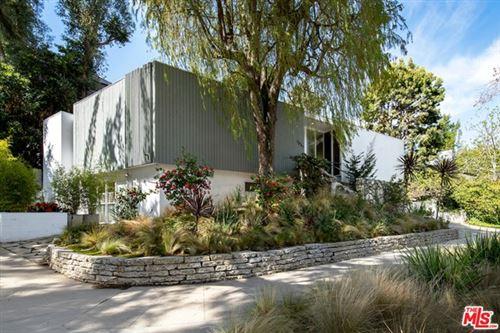 Photo of 1047 Westholme Avenue, Los Angeles, CA 90024 (MLS # 21711292)