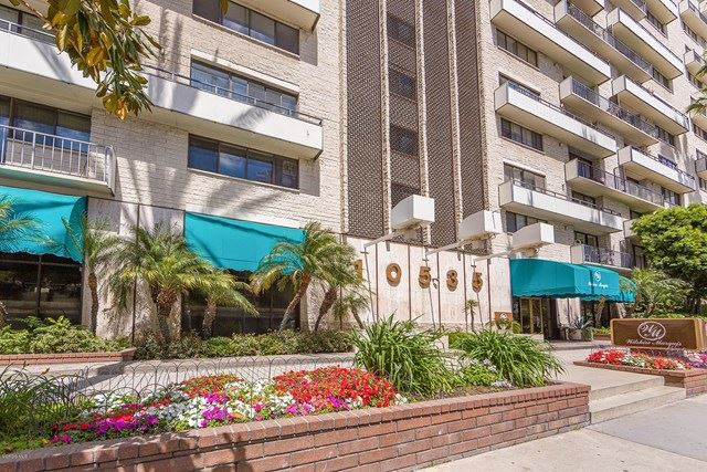 Photo of 10535 Wilshire Boulevard #1407, Los Angeles, CA 90024 (MLS # 220008293)
