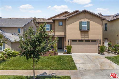 Photo of 22529 Breakwater Way, Santa Clarita, CA 91350 (MLS # 21762294)