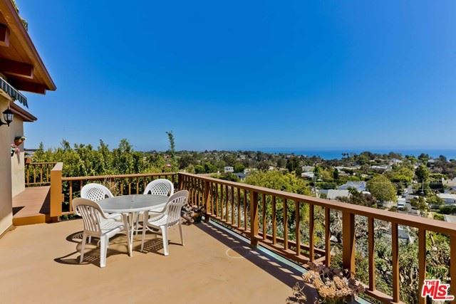 Photo of 16576 Chattanooga Place, Pacific Palisades, CA 90272 (MLS # 21749294)