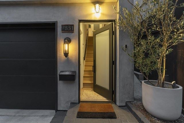 Photo of 9831 Yoakum Drive, Beverly Hills, CA 90210 (MLS # P1-2294)