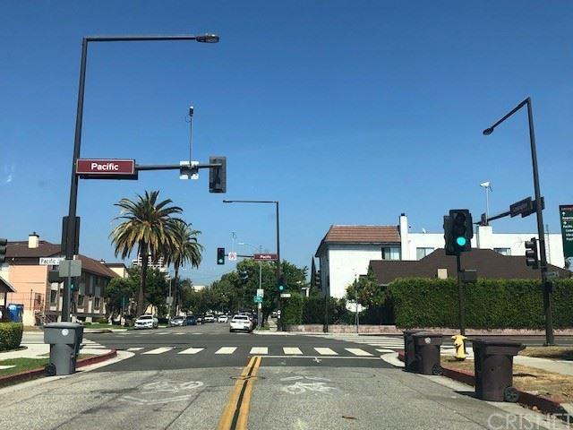 Photo of 529 W Lexington Drive, Glendale, CA 91203 (MLS # SR21108294)