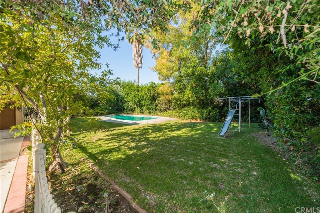 Photo of 1235 Highland Oaks Drive, Arcadia, CA 91006 (MLS # WS21122295)