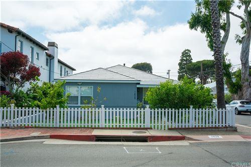 Photo of 1829 Oak Avenue, Manhattan Beach, CA 90266 (MLS # SB21146296)