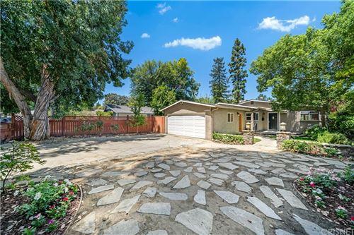 Photo of 22025 Independencia Street, Woodland Hills, CA 91364 (MLS # SR21160296)