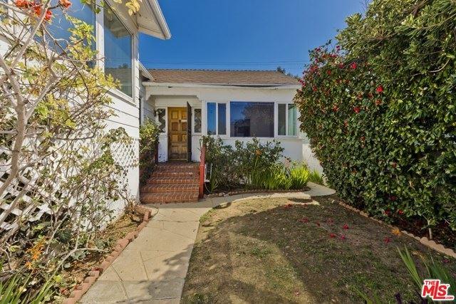 Photo of 558 Mount Holyoke Avenue, Pacific Palisades, CA 90272 (MLS # 21699296)