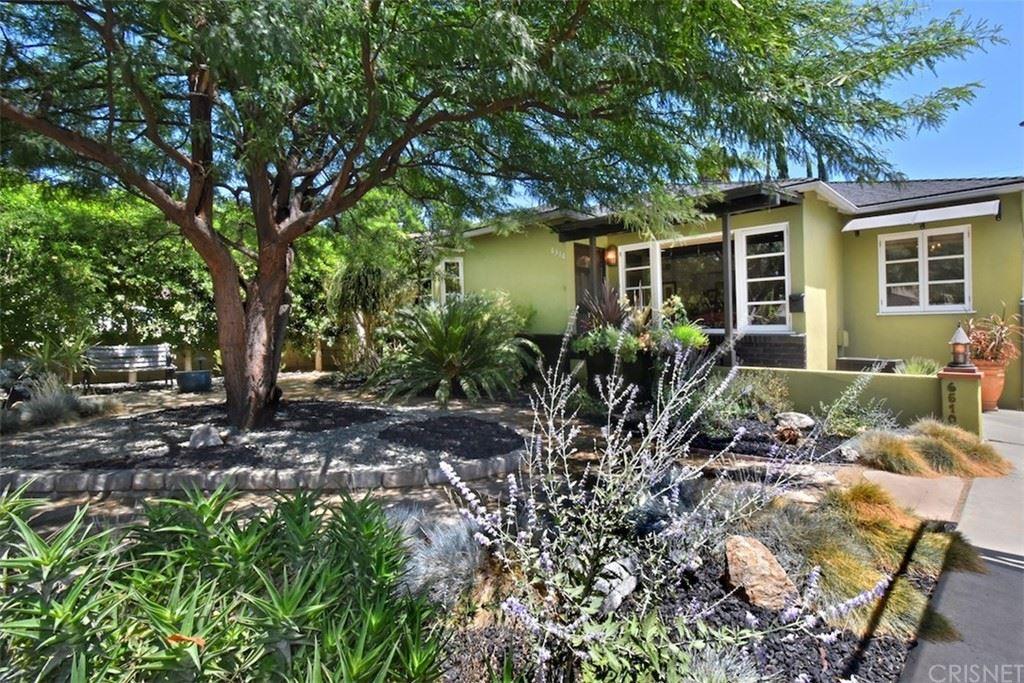 Photo of 6510 Costello Avenue, Valley Glen, CA 91401 (MLS # SR21183297)