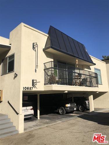 Photo of 10657 Holman Avenue #5, Los Angeles, CA 90024 (MLS # 20658298)