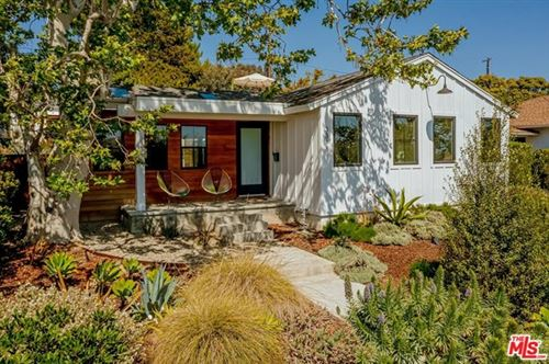 Photo of 3318 Beethoven Street, Los Angeles, CA 90066 (MLS # 21715298)