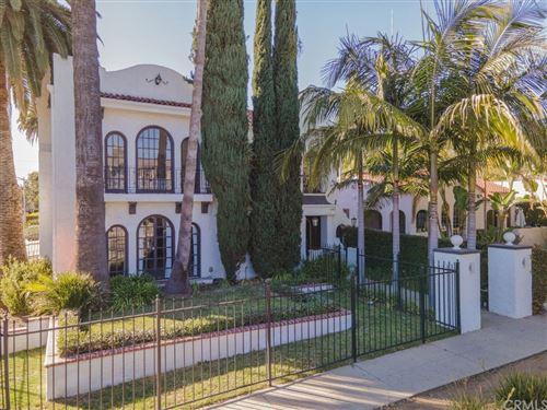 Photo of 8211 Romaine Street, West Hollywood, CA 90046 (MLS # OC21037298)