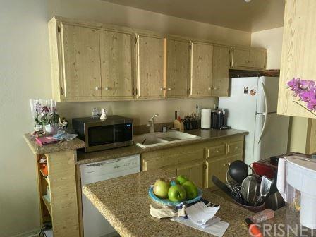 Photo of 5349 Newcastle Avenue #33, Encino, CA 91316 (MLS # SR21229298)