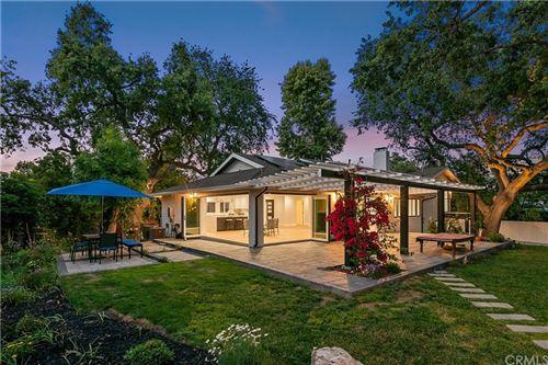 Photo of 1674 La Granada, Thousand Oaks, CA 91362 (MLS # SW21098299)