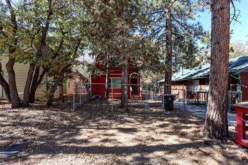 Photo of 426 Imperial Avenue, Sugar Loaf, CA 92386 (MLS # 219052212PS)