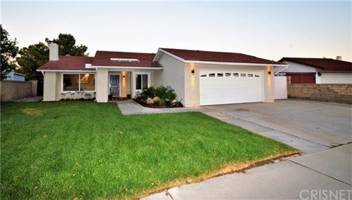 Photo of 22375 Barbacoa Drive, Saugus, CA 91350 (MLS # SR20133300)