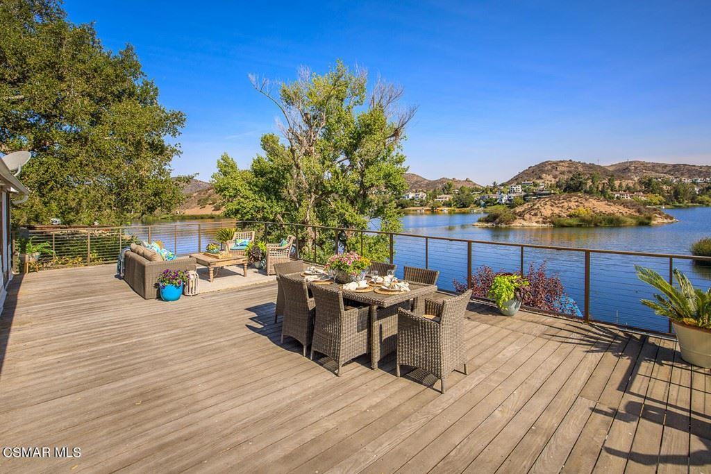 Photo of 160 Lower Lake Road, Lake Sherwood, CA 91361 (MLS # 221005300)