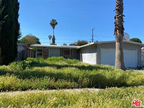 Photo of 17945 KESWICK Street, Reseda, CA 91335 (MLS # 20574302)