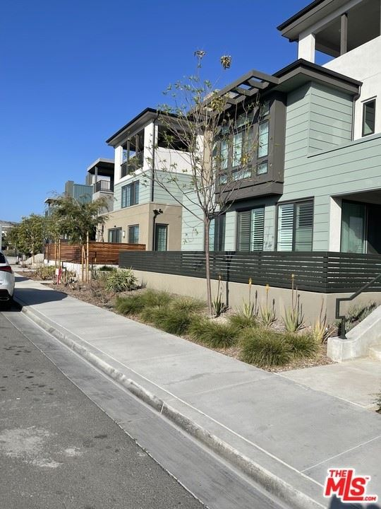 Photo of 208 NOVEL, Irvine, CA 92618 (MLS # 21729302)