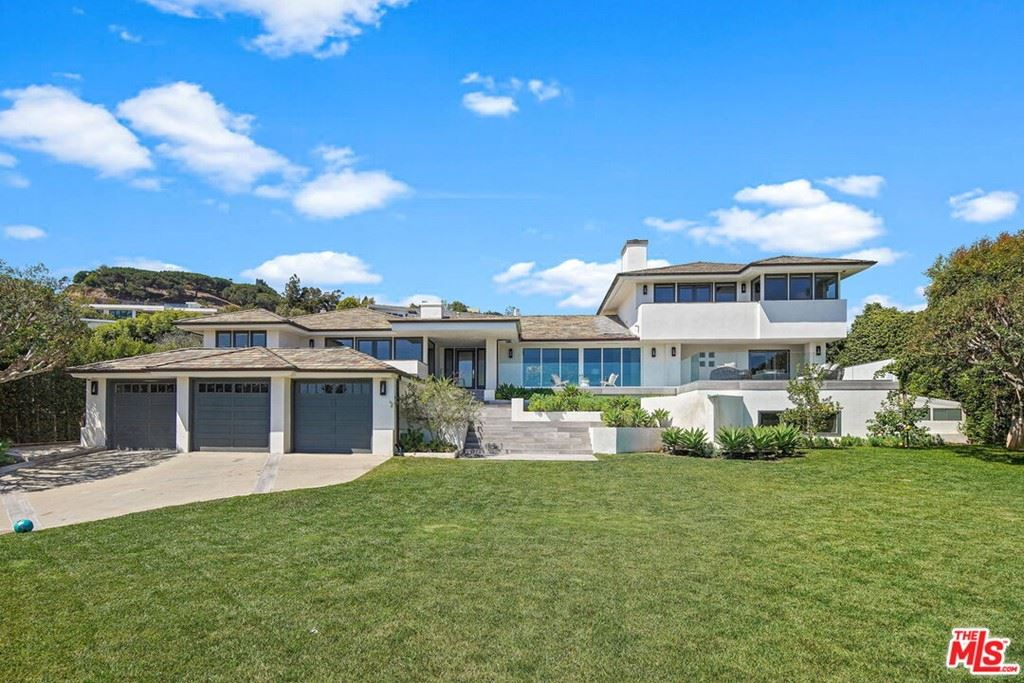 Photo of 1655 Amalfi Drive, Pacific Palisades, CA 90272 (MLS # 21780302)