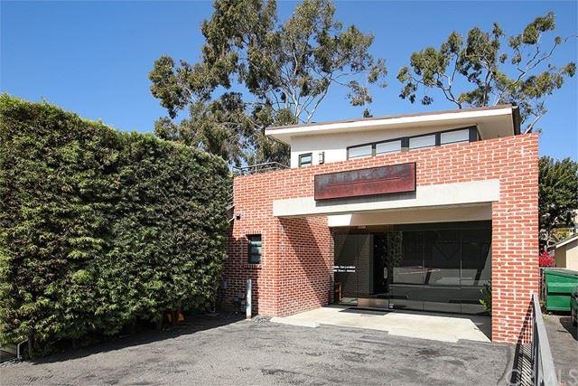 Photo of 380 Ocean Avenue, Laguna Beach, CA 92651 (MLS # LG21101302)