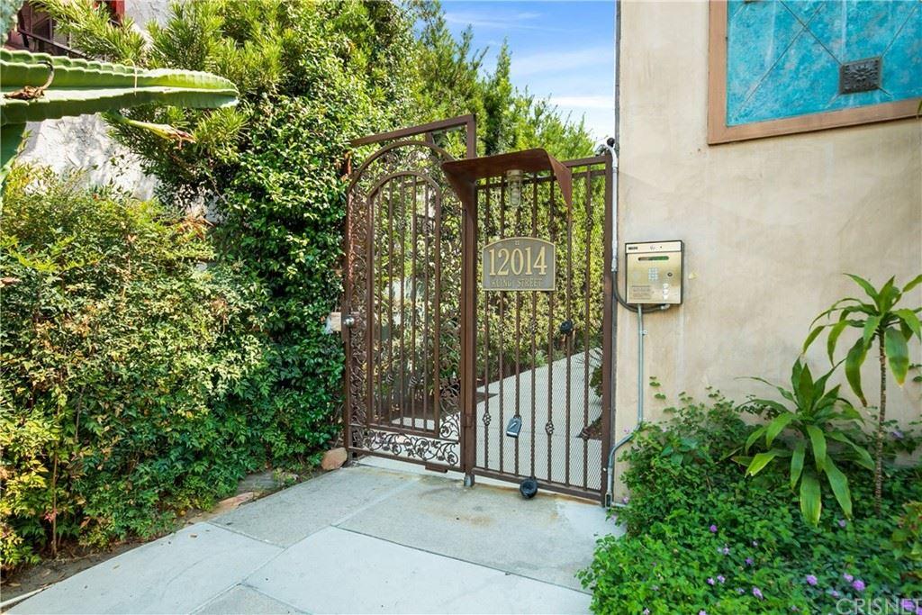 Photo of 12014 Kling Street #15, Valley Village, CA 91607 (MLS # SR21185303)