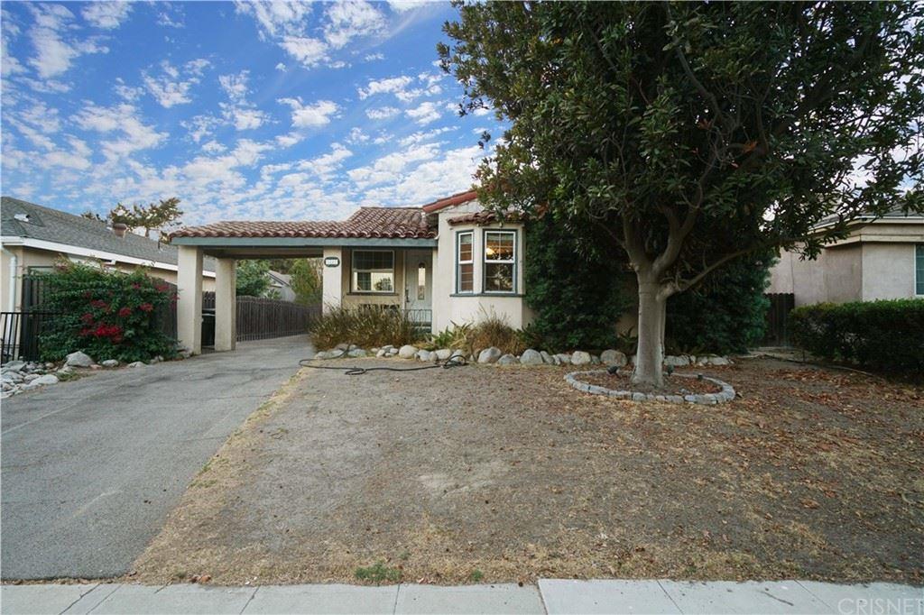 Photo of 1441 N Keystone Street, Burbank, CA 91506 (MLS # SR21221303)