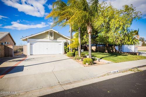 Photo of 27819 Sumner Avenue, Saugus, CA 91350 (MLS # 221000305)