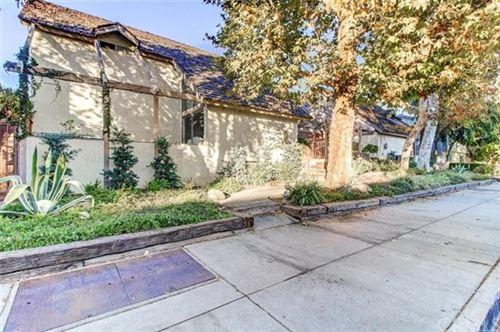 Photo of 18631 Collins Street #4, Tarzana, CA 91356 (MLS # AR20249305)