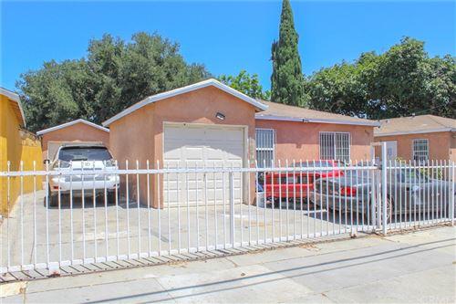 Photo of 609 E Oaks Street, Compton, CA 90221 (MLS # DW21170305)