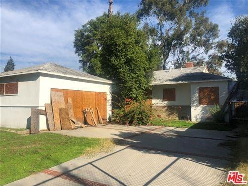 Photo of 7340 GENESTA Avenue, Van Nuys, CA 91406 (MLS # 20542306)