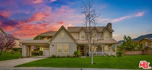 Photo of 27014 CLIFFIE Way, Canyon Country, CA 91387 (MLS # 20555306)