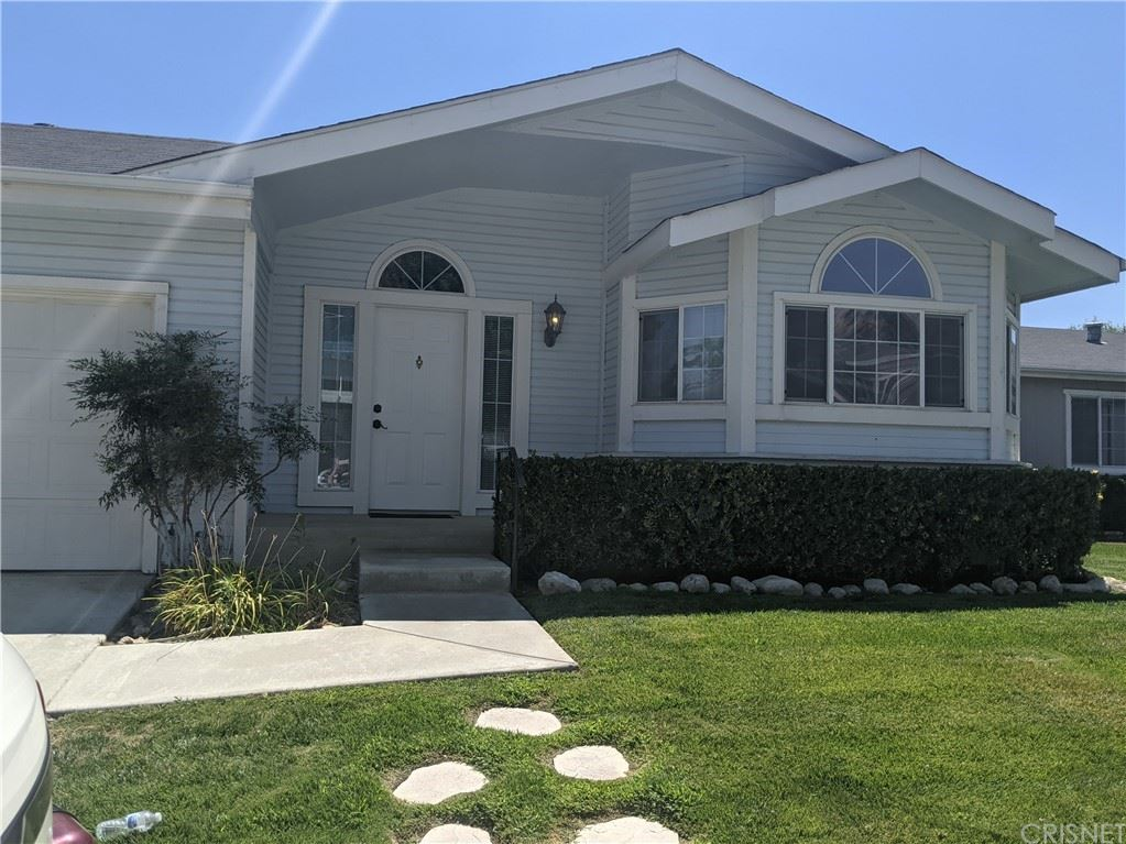 19936 Crestview, Canyon Country, CA 91351 - MLS#: SR21200306