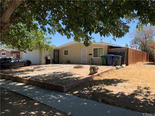 Photo of 38532 Lemsford Avenue, Palmdale, CA 93550 (MLS # DW21148307)