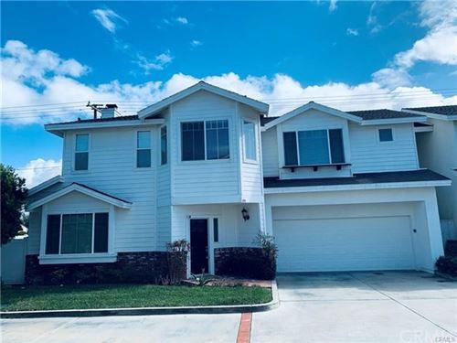 Photo of 194 Cecil Place, Costa Mesa, CA 92627 (MLS # OC21019307)