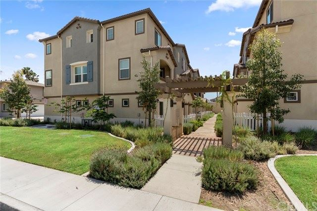 Photo of 1562 E Spruce Street, Placentia, CA 92870 (MLS # PW21084307)