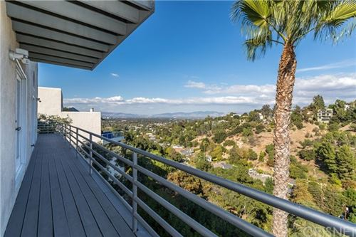 Photo of 3664 Avenida Del Sol, Studio City, CA 91604 (MLS # SR19275310)