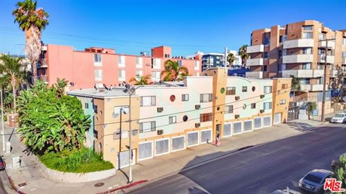 Photo of 686 S St Andrews Place, Los Angeles, CA 90005 (MLS # 20625312)