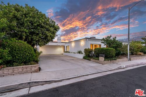 Photo of 1320 DUENDE Lane, Pacific Palisades, CA 90272 (MLS # 21789312)